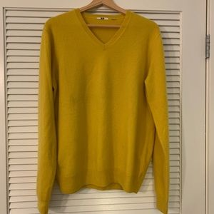 Uniqlo yellow 100% cashmere sweater